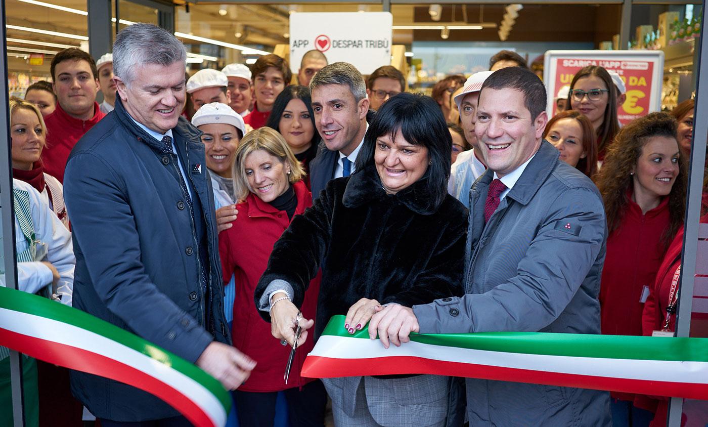 Inaugurazione eurospar camisano fb arredamenti for Fb arredamenti